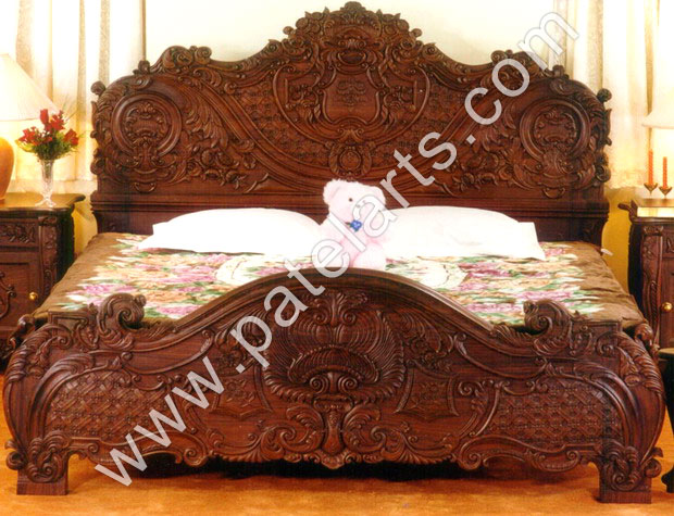 Wood Bed- universalcouncil.info
